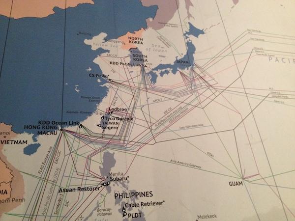 La part física de la Xarxa: mapa dels cables submarins  a Àsia...